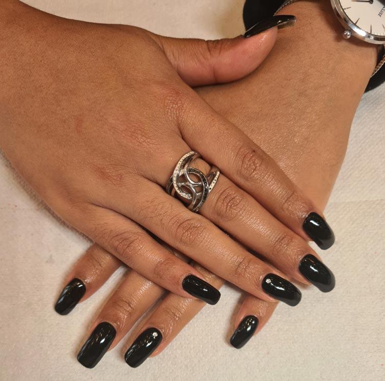 pose de faux ongles lyon manucure institut de beauté